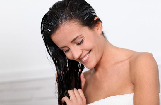 Существует много вариантов домашнего ухода за волосами в зимний период
